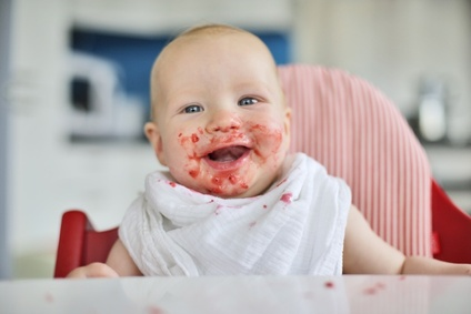 bebe-apprend-a-manger