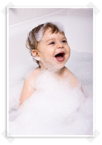 enfant-joies-bain