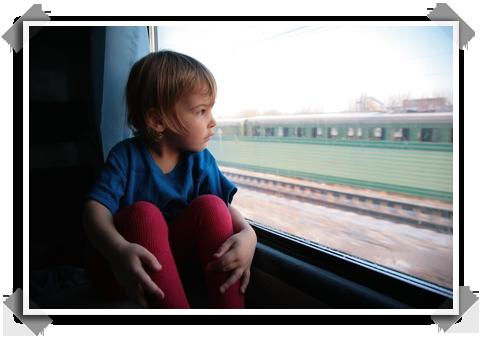 enfant-voyage-train