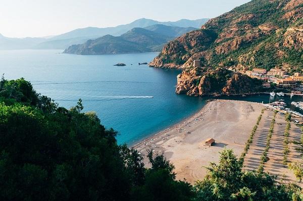Partir en Corse avec bébé