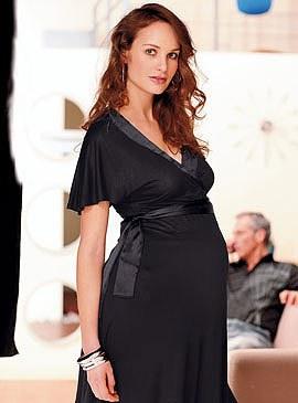 robe-noire-femme-enceinte
